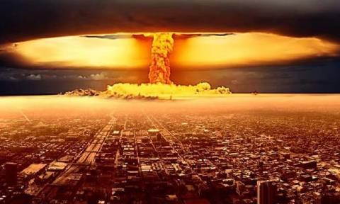 Πυρηνικός τρόμος: Οι ΗΠΑ ξεκινούν κούρσα εξοπλισμού με νέα πυρηνικά όπλα κόντρα στη Ρωσία