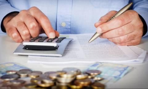 Χρέη στην Εφορία: Πώς θα γλιτώσετε την κατάσχεση