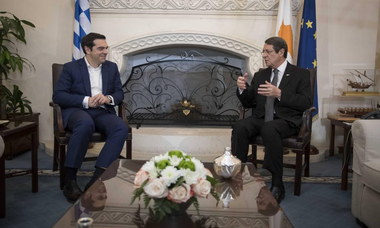 Εκλογές Κύπρος: Ο Αλέξης Τσίπρας συνεχάρη το Νίκο Αναστασιάδη