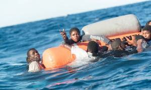 Μαρόκο: 16 πτώματα μεταναστών ανασύρθηκαν μετά από ναυάγιο