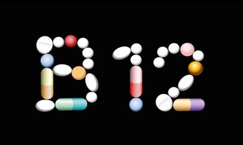 Έλλειψη B12: Τα 10 συμπτώματα που πρέπει να γνωρίζετε