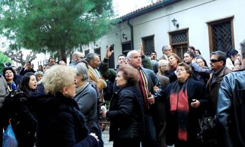Ένταση στη Μονή Πετράκη για το νέο Μητροπολίτη Μάνης (pics&vid)