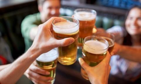 Ποια σοβαρή πάθηση μπορεί να «γιατρέψει» η μπίρα