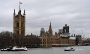 Βρετανία: «Ξεσπιτώνονται» από το Ανάκτορο του Ουέστμινστερ Λόρδοι και βουλευτές