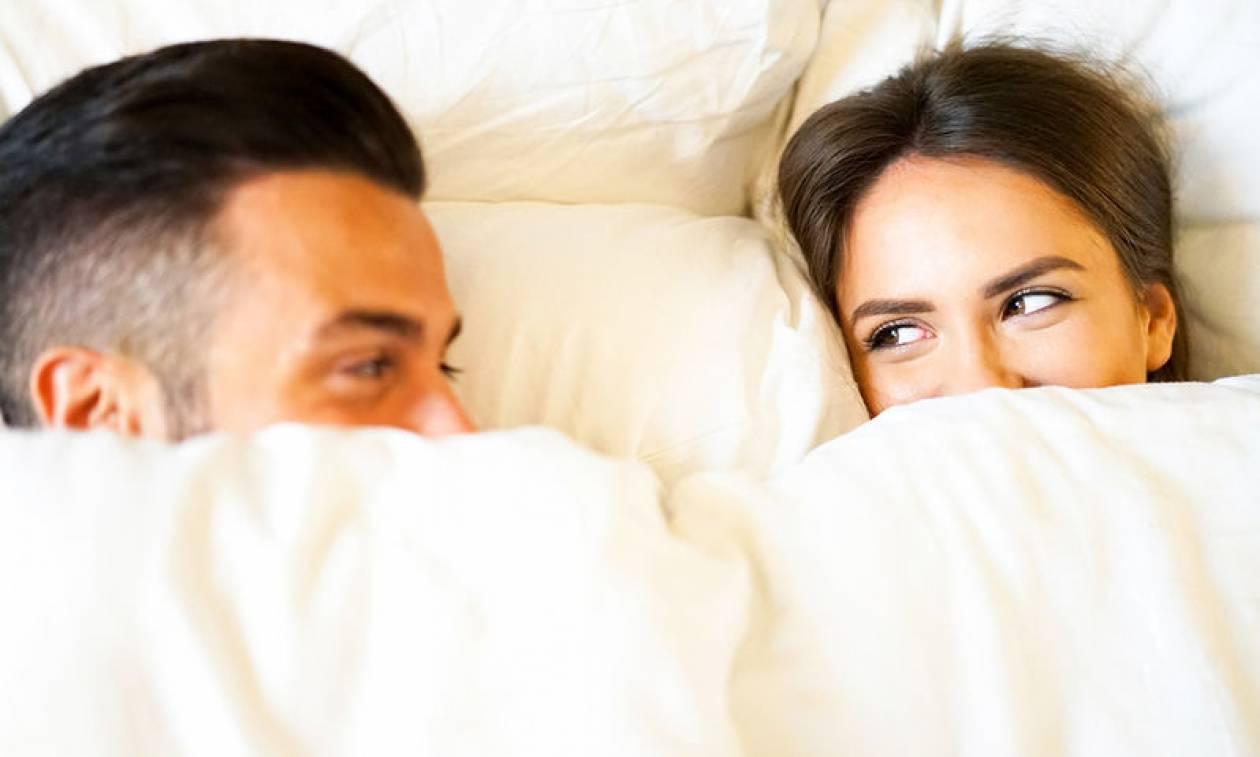 Πρωινή στύση: Ποιο σκοπό εξυπηρετεί – Τι δείχνει για τη σεξουαλική λειτουργία