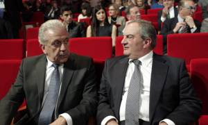 Novartis: Στο πλευρό του Αβραμόπουλου ο Καραμανλής - Τι λέει το περιβάλλον του πρώην πρωθυπουργού