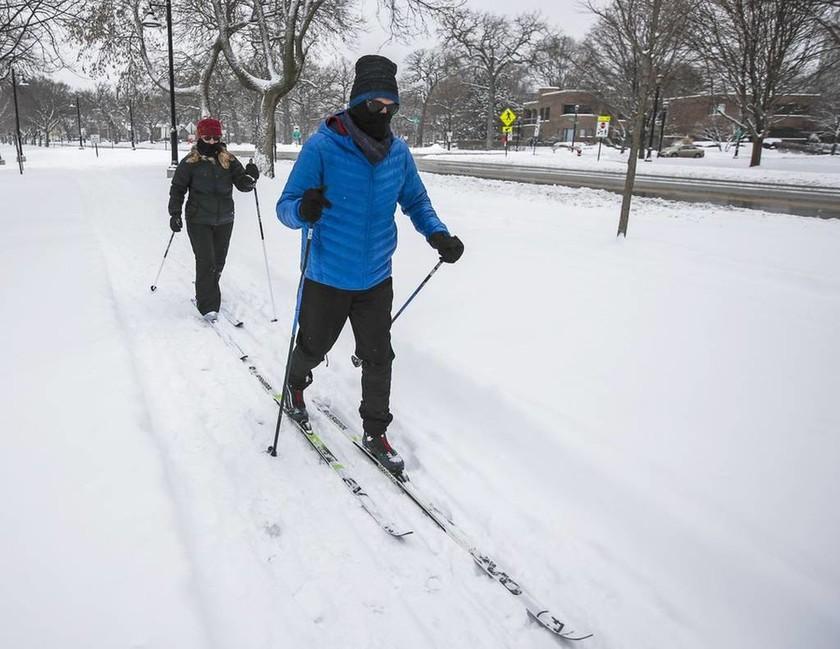 ΗΠΑ: Χιονοθύελλα σαρώνει τις μεσοδυτικές πολιτείες - Ακυρώθηκαν 1.250 πτήσεις (pics)