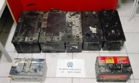 Χαλκιδική: Δύο συλλήψεις για δεκάδες κλοπές μπαταριών από οχήματα