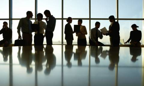 Σοκ για 300.000 δημόσιους υπαλλήλους – Ποιοι χάνουν έως και 60 ευρώ το μήνα