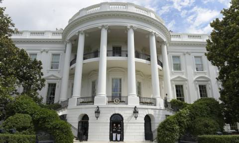 Νέο μεγάλο σκάνδαλο «σαρώνει» τον Λευκό Οίκο (Vid)