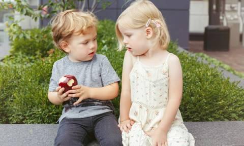 Παιδί και ψυχολογία: Πώς θα του μάθετε να μοιράζεται
