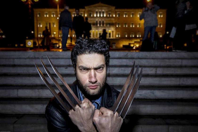 Γέμισε Zombie η Αθήνα: Έκαναν βόλτα από το Σύνταγμα μέχρι το Μοναστηράκι (pics)