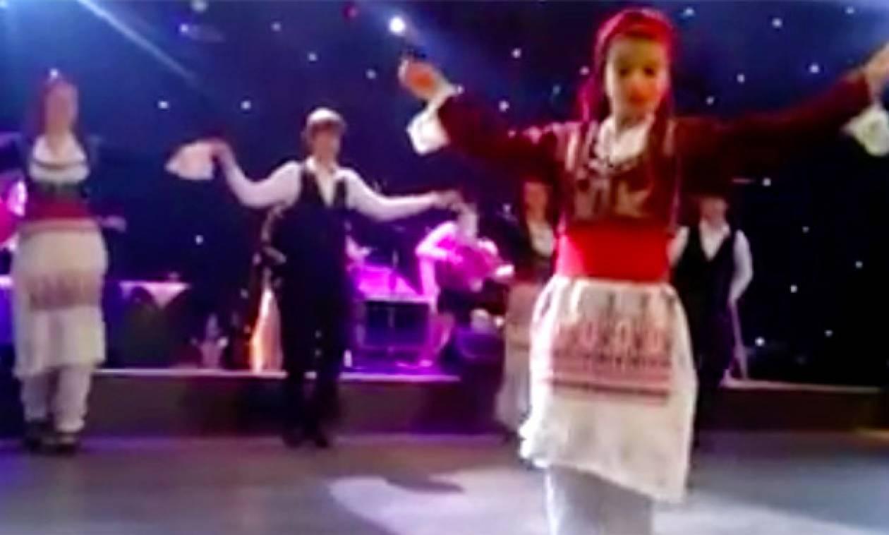 Πιο όμορφο Μαλεβιζιώτη από Κρητικοπούλα δεν έχετε ξαναδεί! (video)