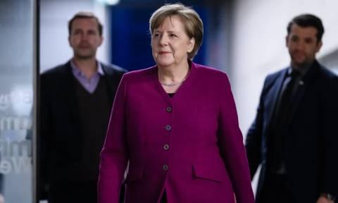 Μέρκελ: Οδυνηρή αλλά αποδεκτή η απώλεια του ΥΠΟΙΚ