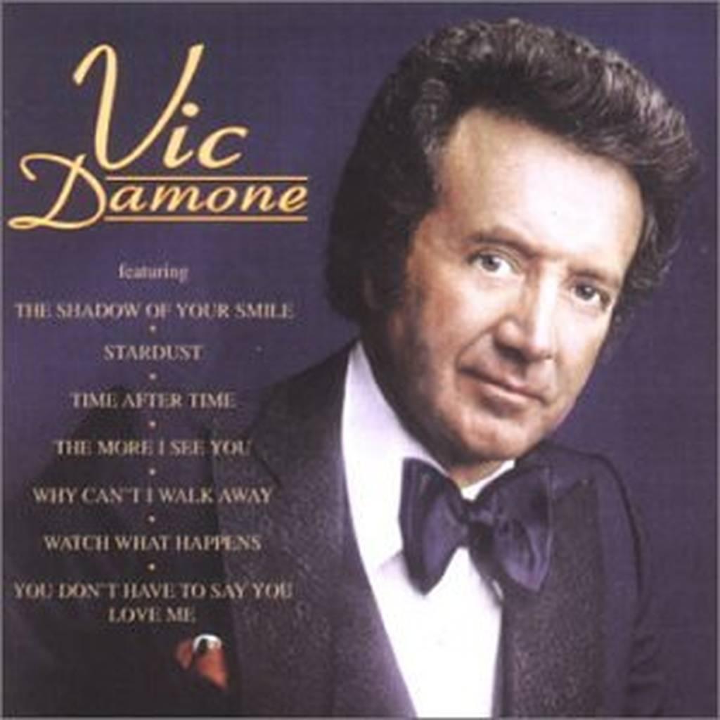Πέθανε ο Βικ Νταμόν, ο διάσημος τραγουδιστής που είχε ανακαλύψει ο Φρανκ Σινάτρα