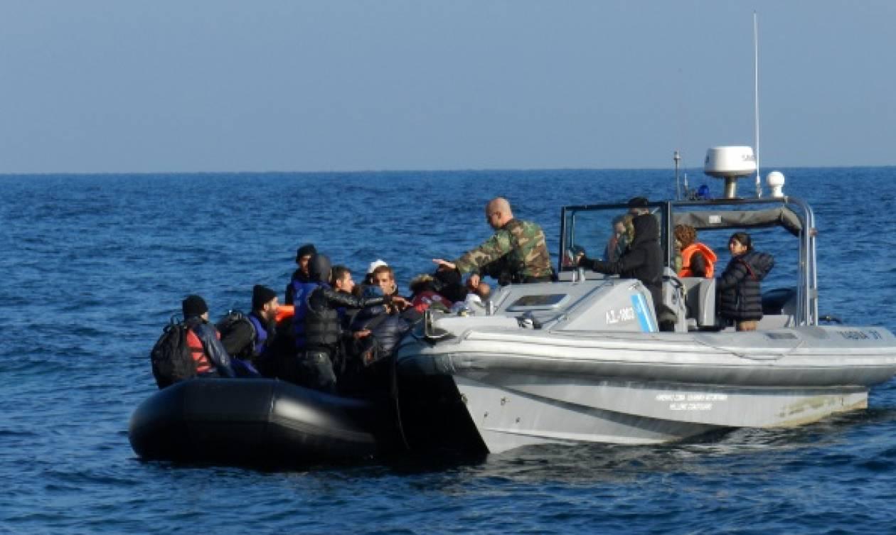 Frontex: Λιγότεροι οι μετανάστες που έφτασαν στα ελληνικά νησιά