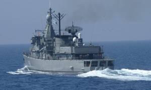 Ίμια ΤΩΡΑ: Ελληνικές φρεγάτες, υποβρύχια και πυραυλάκατοι κινούνται προς τις βραχονησίδες