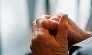 Ηλικιωμένος ξέχασε 10.000 ευρώ σε λεωφορείο - Δείτε τι συνέβη