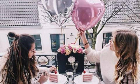 Valentine' s Day: 3 κινήσεις που πρέπει να αποφύγεις για να μη δείξεις απελπισμένη