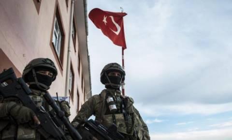 Σαν στο σπίτι τους! Οι Τούρκοι χτίζουν παρατηρητήριο στη Συρία – Άπραγη η διεθνής κοινότητα