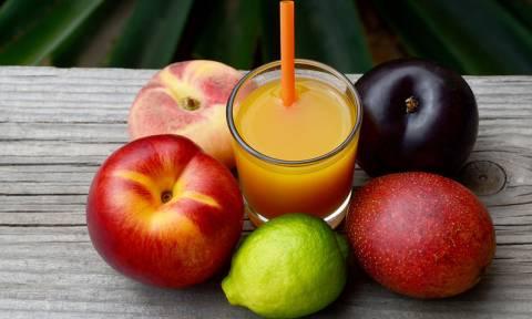 Χυμοί φρούτων: Η «παγίδα» που κρύβουν για τη σιλουέτα σας