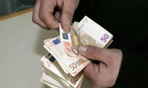 Ειδική εισφορά αλληλεγγύης: Ποιοι και πόσα θα πληρώσουν φέτος