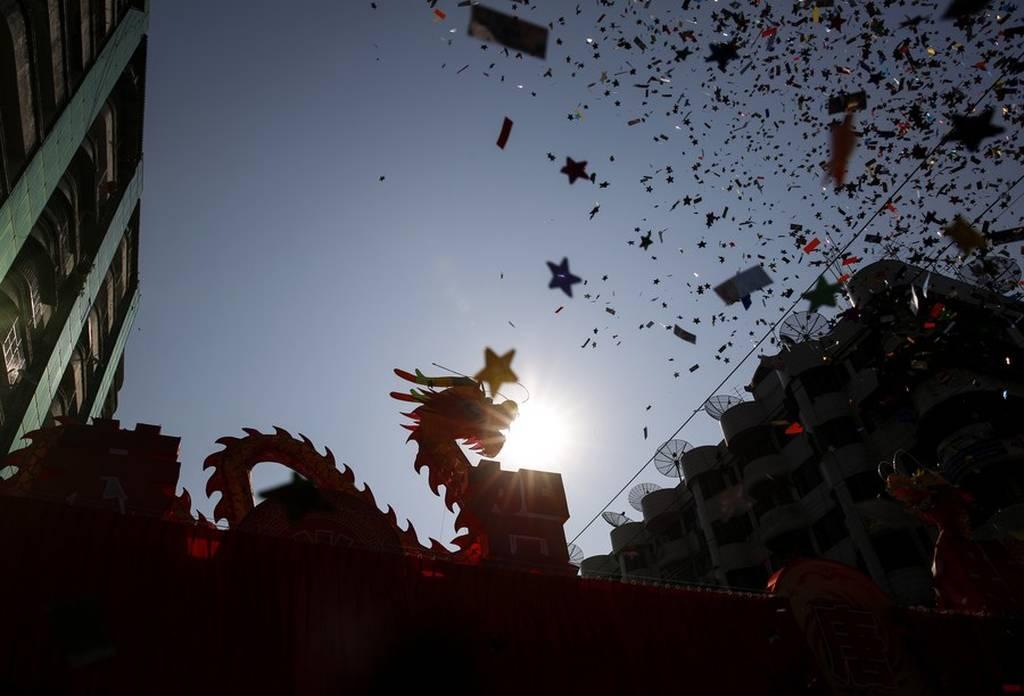 Η Χρονιά του Σκύλου: Με το Φεστιβάλ της Άνοιξης γιόρτασαν την Κινεζική Πρωτοχρονιά (pics)