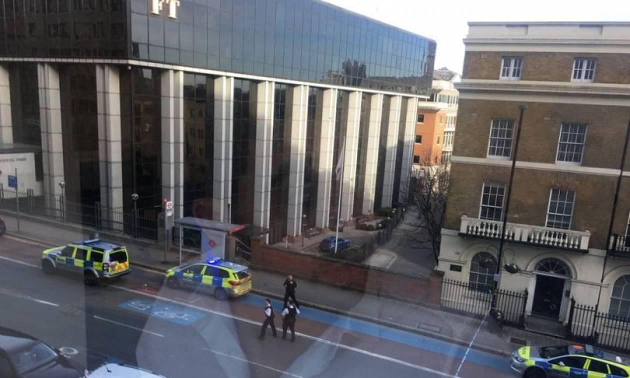 Εκκενώθηκαν τα γραφεία των Financial Times στο Λονδίνο (pics)