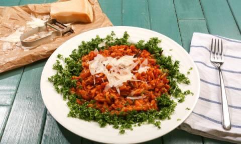 Συνταγή για την Καθαρά Δευτέρα: Κριθαρότο με καλαμαράκια