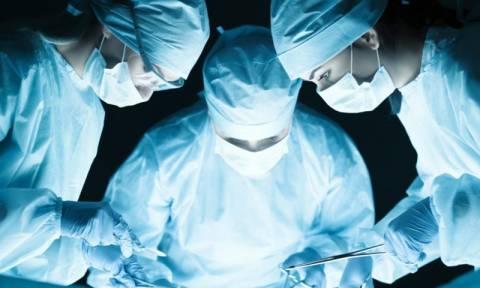 Κόπηκε το ρεύμα εν ώρα εγχείρησης και τότε… (video)