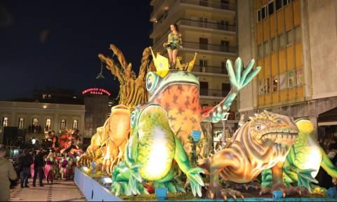 Απόκριες: Η μεγαλύτερη νύχτα του Πατρινού Καρναβαλιού - Ποδαράτη παρέλαση... απογείωσης! (pics&vid)