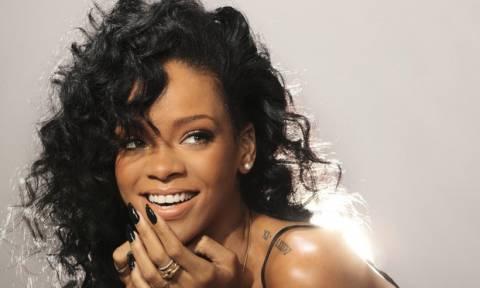 Η νέα αδυνατισμένη εμφάνιση της Rihanna μας άρεσε πολύ