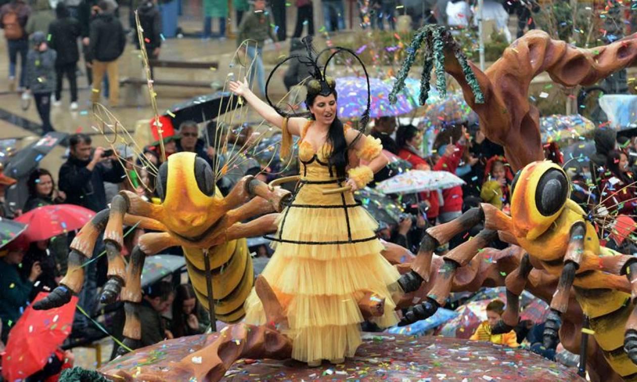 LIVE - Πατρινό Καρναβάλι: Σε εξέλιξη η μεγάλη παρέλαση
