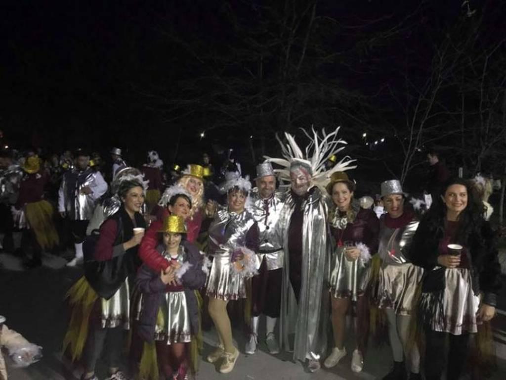 Απόκριες 2018 - Απίστευτο: Δείτε ποιος Έλληνας βουλευτής ντύθηκε καρναβάλι