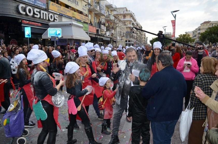 Απόκριες 2018 - Έξω φρενών ο Φερεντίνος: Παράτησε την παρέλαση και έφυγε (pics)