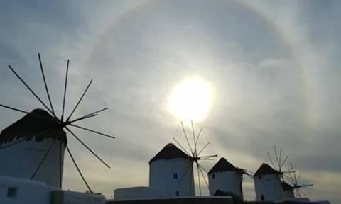 Μύκονος: Ξύπνησαν και σήκωσαν το βλέμμα τους στον ουρανό – Η εικόνα θα τους μείνει αξέχαστη (vid)