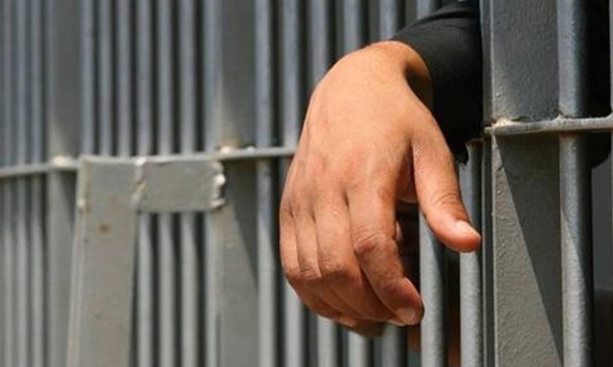 Ηράκλειο: Στη φυλακή ο 41χρονος που μαχαίρωσε το φίλο του σε καφετέρια