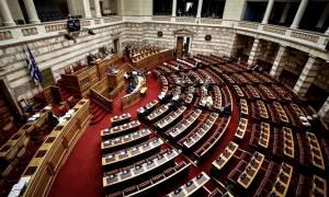 Προανακριτική Novartis – «Κόλαση» η Βουλή με φόντο τις δέκα κάλπες