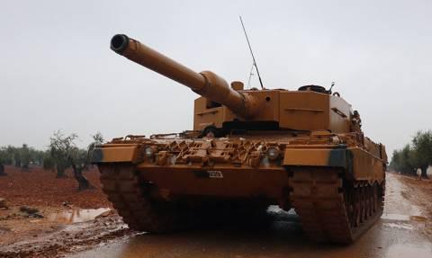 Ραγδαίες εξελίξεις: Οι Τούρκοι βομβαρδίζουν τον συριακό στρατό στην Αφρίν