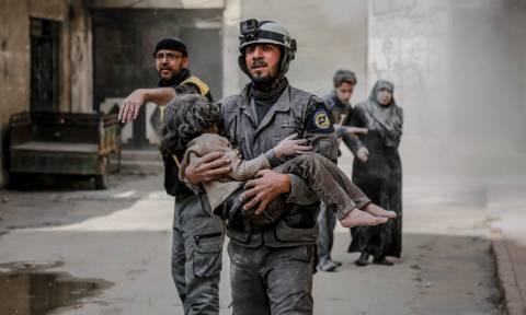 «Λουτρό αίματος» στη Συρία: 250 άμαχοι νεκροί μέσα σε 48 ώρες (ΠΡΟΣΟΧΗ! ΣΚΛΗΡΕΣ ΕΙΚΟΝΕΣ)