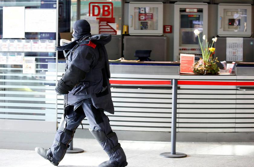 ΕΚΤΑΚΤΟ: Συναγερμός στη Γερμανία: Εκκενώνεται σιδηροδρομικός σταθμός στο κεντρικό Βερολίνο