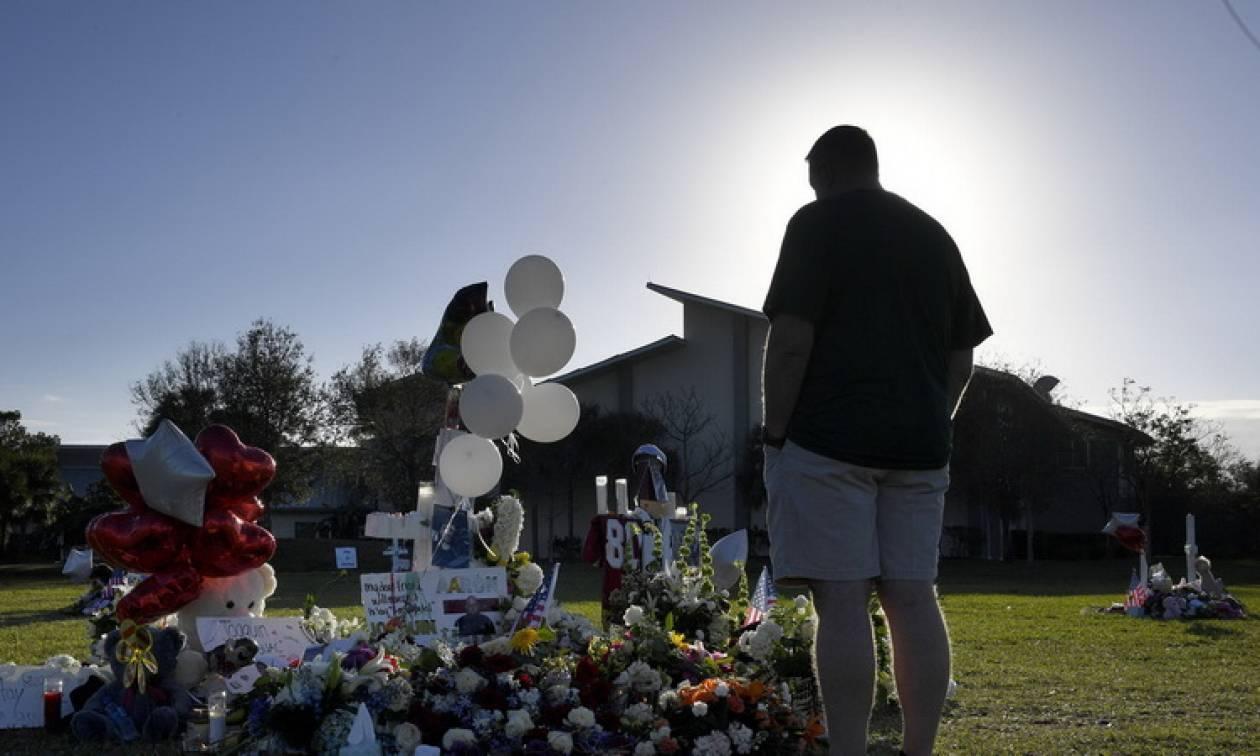 Μακελειό στη Φλόριντα: Την ώρα της σφαγής υπήρχε ένοπλος αστυνομικός που δεν αντέδρασε (vid)