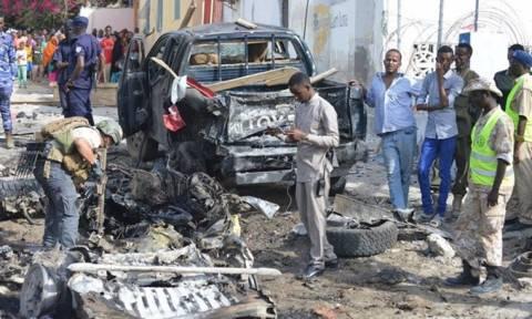 Σομαλία: Τουλάχιστον 22 νεκροί σε διπλή βομβιστική επίθεση της Αλ Σεμπάμπ