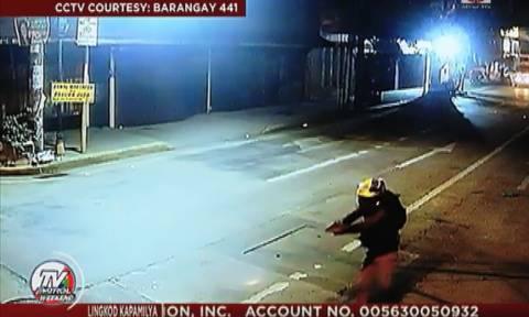 Βίντεο-ΣΟΚ: Προσπάθησε να τον μαχαιρώσει για να τον ληστέψει – Δεν ήξερε όμως ότι ήταν αστυνομικός