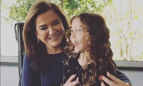 Ντόρα Μπακογιάννη: Δείτε για πρώτη φορά την όμορφη εγγονή της