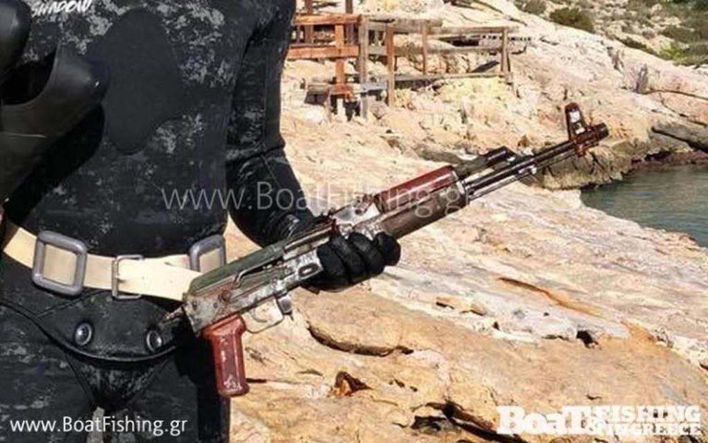 Αυτό είναι το όπλο με το οποίο δολοφονήθηκε ο Βασίλης Στεφανάκος (pics)