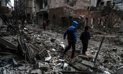 Μακρόν και Μέρκελ ζητούν από τον Πούτιν να πιέσει τη Δαμασκό για την εφαρμογή της εκεχειρίας