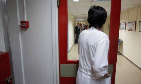Αντισυνταγματικές οι περικοπές στις αποδοχές γιατρών διευθυντών νοσοκομείων του ΕΣΥ