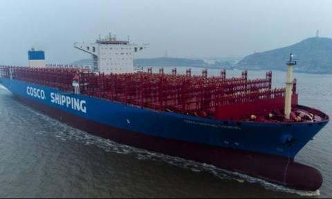 Στο λιμάνι του Πειραιά το γιγαντιαίο China Cosco Taurus (vid)