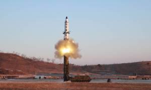 ΗΠΑ: Μυστηριώδης παραίτηση του επικεφαλής διαπραγματευτή με τη Βόρεια Κορέα